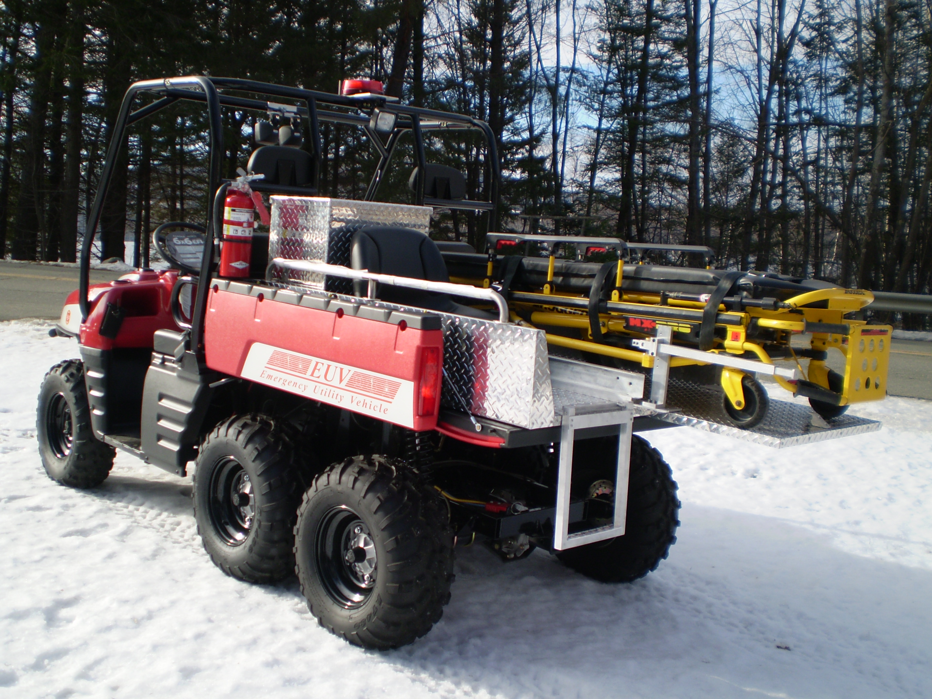 "Emergency Rescue Skid Turns Utility Vehicles Into a ""Mini Ambulance"""